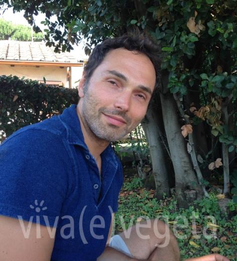 Mirko Busto il 3 luglio 2016 nel giardino della sua casa romana